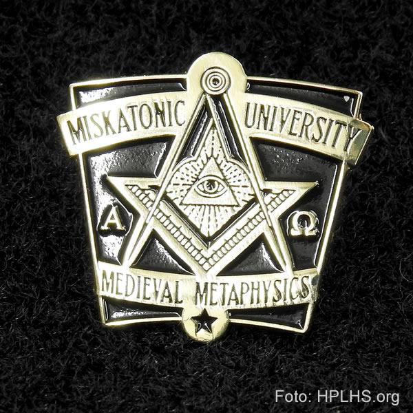 Miskatonic Universitäts Anstecknadel - Medieval Metaphysics