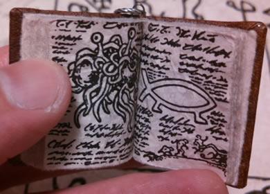 Necronomicon (Mini-Buch-Amulett)