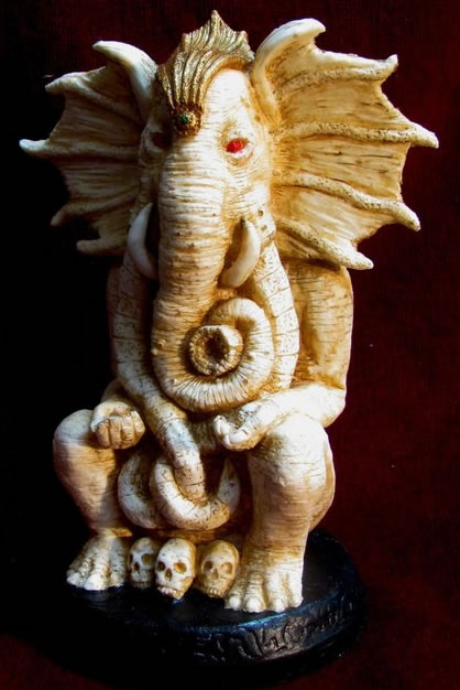 Chaugnar Faugn (Statuette - knochenfarbende Version) - Großer Alter aus dem Cthulhu Mythos