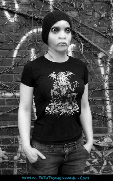 Lurking Cthulhu - T-Shirt (M) für Frauen